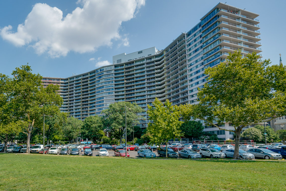 The Philadelphia luxury condos for rent and sale in the Art Museum area