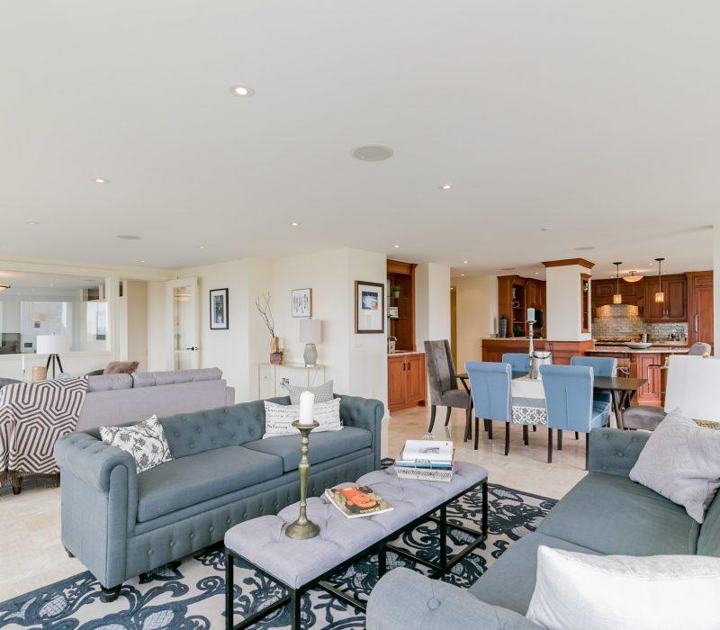 Luxury condo in Philadelphia with an open floor plan
